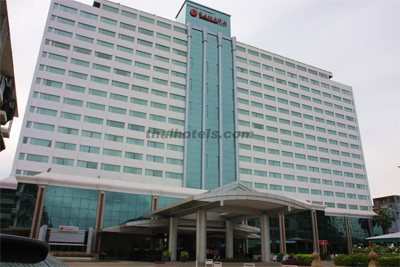 Ramada plaza menam riverside hotel bangkok thai hotels for Angel thai cuisine riverside ca